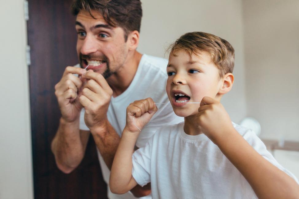 flossing-teeth
